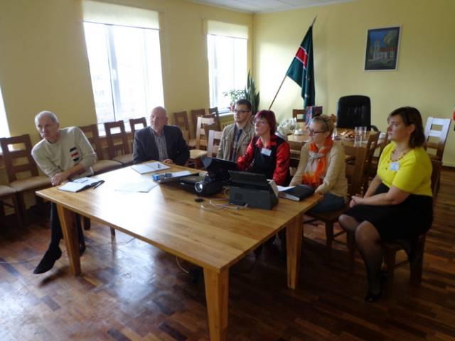 Durbes novada pašvaldības speciālistu pieredzes apmaiņas vizīte Skrundā