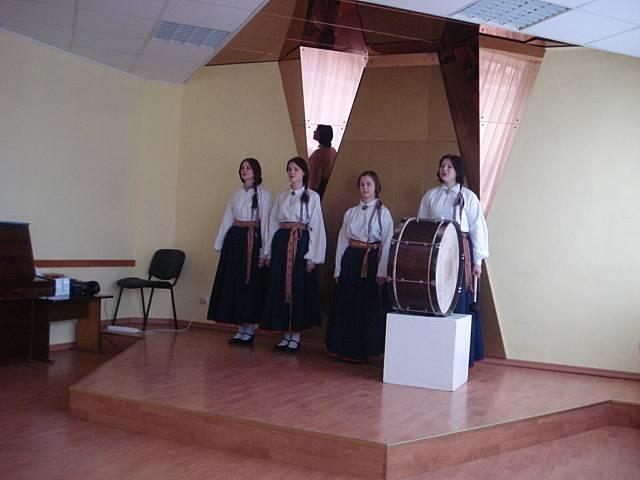 Skrundas novada skolēnu skatuves runas un literāro uzvedumu konkurss