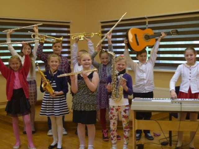 Skrundas mūzikas skola viesojas Nīkrācē