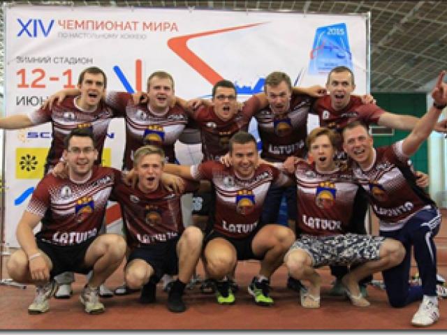 Latvijas izlasei medaļas Eiropas čempionātā galda hokejā!