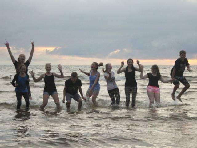 Nīkrācnieki piedalās Ekoskolu Jūras forumā Zvejniekciemā
